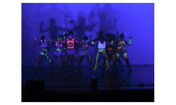 Un Pas Loin du Présent - Gala 2015 - Montceau-les-Mines